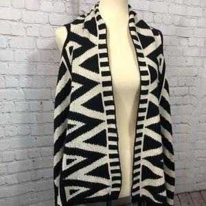 Jackets & Blazers - Graphic black and white knit vest
